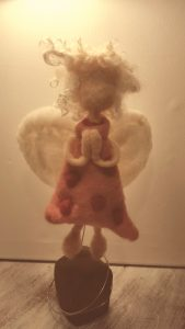 Engel in Bewegung betend (4)