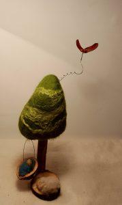 Baumkrippe mit Vogel